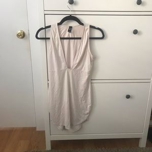WINDSOR Nude Dress